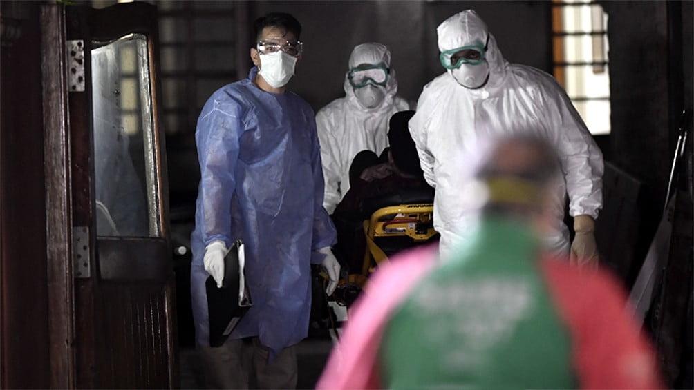 El SAME traslada a pacientes de un geriátrico porteño que dieron positivo de coronavirus