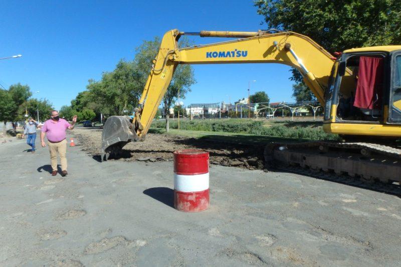 Se retira el asfalto existente en calle Libertad