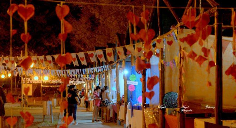 Feria, música y caminata para celebrar el amor