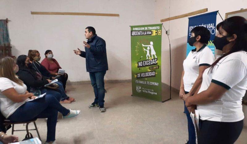 Charlas de educación vial en barrio El Sauce
