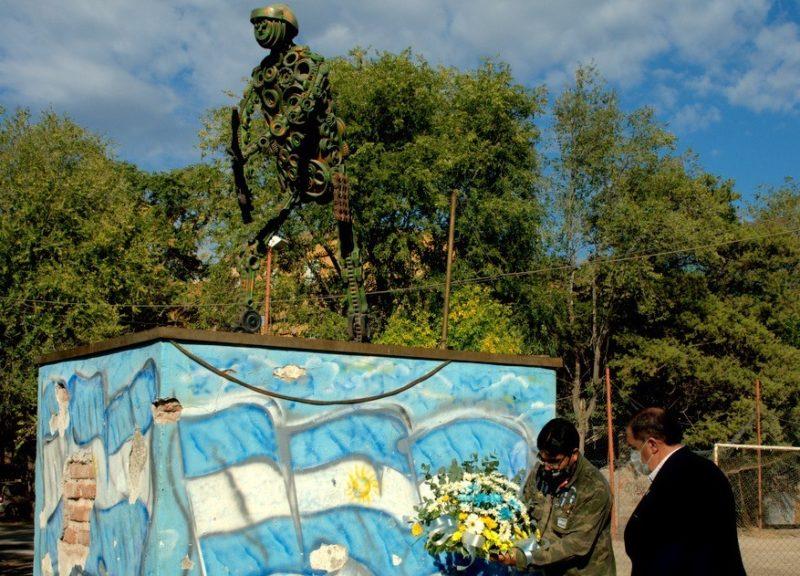 Homenaje a los veteranos y caídos en la Guerra de Malvinas