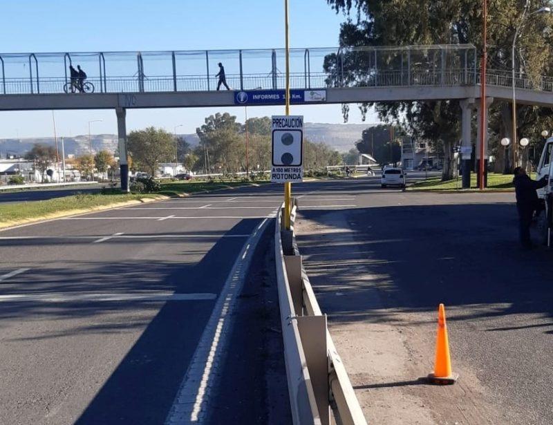 Reparaciones en semáforos y colocación de cartelería