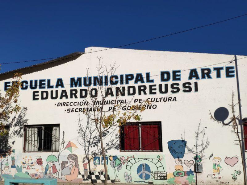 """""""La Escuela de Arte es parte de la historia de la ciudad"""""""