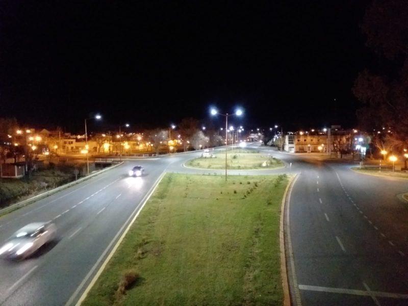 Se recambian luminarias a tecnología LED en la ruta nacional 22