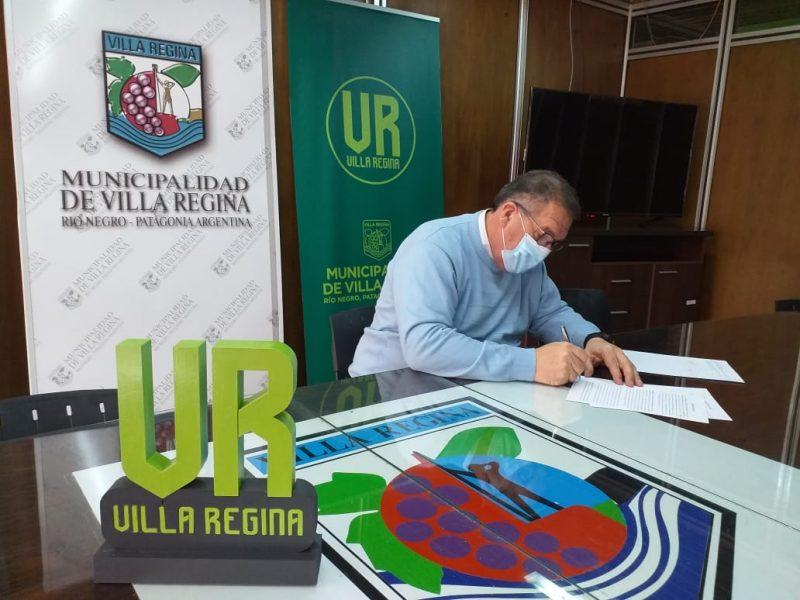 Orazi firmó el convenio para el traslado de la Comisaría de la Familia