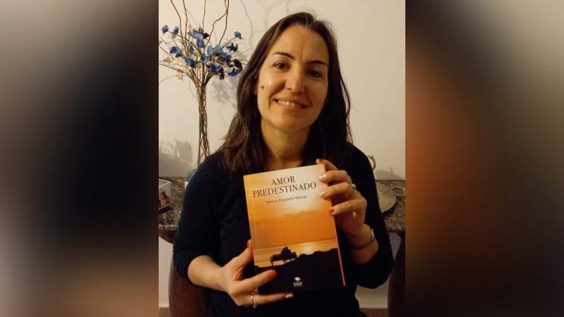 Yanina Vertúa presenta 'Amor predestinado'